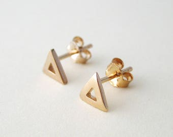 750 18 k gold plated Stud triangle earrings