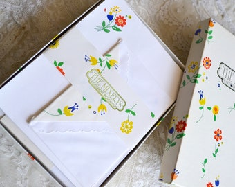 Vintage Stationery Set  - Montag Pixie Flowers - 60 Sheets with Lined Envelopes
