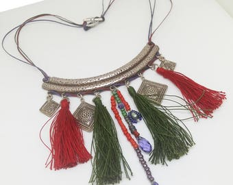 Ethnic tassel necklace. Unique red & green