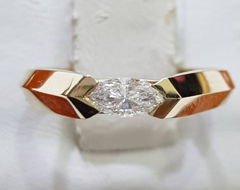 Engagement ring with diamond, 14k gold