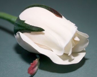 Cream Rose Bud - Barely Blooming - Artificial Flowers, Silk Roses