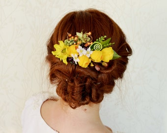 Yellow hair comb, Bridal hair comb, Yellow wedding hair comb, Rustic hair piece, Yellow hair piecre, Spring hair comb, Floral headpiece
