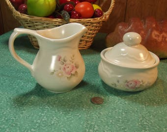 Beautiful Vintage Pfaltzgraff Perennials Tea Rose Sugar & Creamer Set