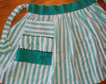 Vintage Apron, Green Tea Apron, Half Apron, Cotton Kitchen Apron, Pocket Apron