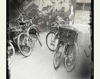 Photography - Bikes - Montreal - Black and white - 12in x 12in (30cm x 30cm) print