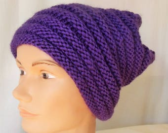 The wool hat, long: super trendy and trendy accessory.