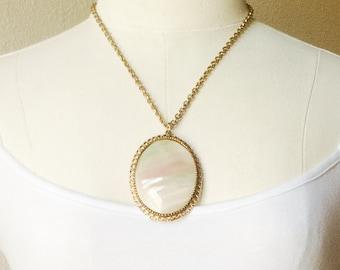 Grand mère Vintage collier Cabochon en nacre, en filigrane MOP collier de réglage