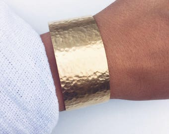 Gold plated bracelet 750, hammered Bangle, wide cuff - gold plated bangle 18 k