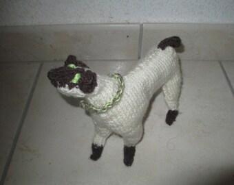 stray woolen white plush green blanket child necklace