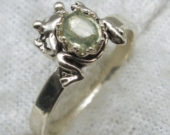 Light Green Sapphire Frog Ring, Hand Crafted Recycled Sterling Silver, September birthstone, handmade