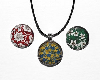 Flower Patterns - Magnetic Pendant Necklace - with 3 inserts