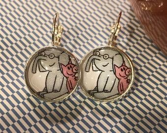 Gerald and Piggy glass cabochon earrings - 16mm