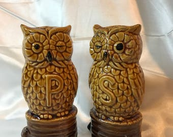 Vintage large, Winking OWL on Stump, SALT and Pepper Shakers, Japan