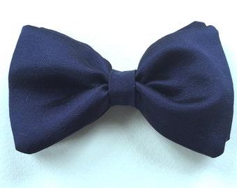 Heavy silk navy bow tie, wedding bow tie, navy groomsmen tie, groom's tie , Black Tie bow tie, Navy tie, menswear silk tie