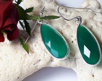 Faceted green onyx earrings, 92.5 sterling silver,hammered silver