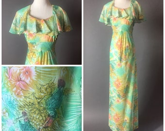 Vintage 70s dress / 1970s dress / hawaiian dress / tiki dress / novelty print dress / maxi dress / floral dress / 8279