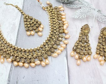 Antique Gold Indian Bollywood Choker Necklace Set with Earrings, Tikka Headpiece & Jhoomer Bridal Wedding