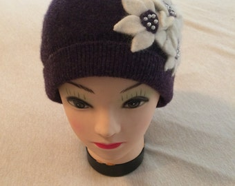 Dark purple with white and dk purple flowers ladies hat