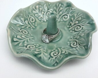 "Ring Dish -  Ring Holder - Trinket Dish - Ring Bowl - Green Ring Dish with Vines and Leaves 4"" Round"