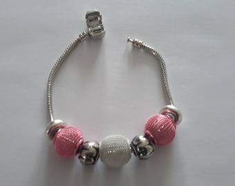Bracelet style pandora pink pearls, white and silver.