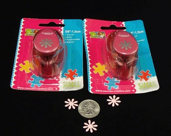 Paper Punch Daisy Flower Paper Punch by Creative Collection Brand New in Package