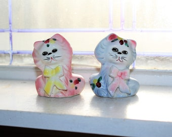 Vintage Salt and Pepper Shakers Cats Kittens