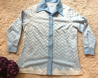 Vintage Ladies Blouse with Blue and White Print//Gregg's Girl Vintage Women's Blouse