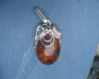 Large Amber Pendant with Grape Leaves Setting / No Chain