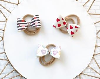 Classic valentines loop bow, Heart Headband, valentines, bow, loop, newborn, nylon headband, pink