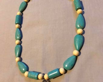 Turquoise and Wood with Dreamcatcher necklace