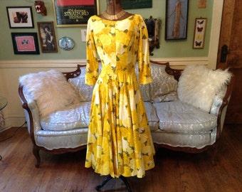 1950s Full Circle Skirt Dress / Dress Yellow Floral Print / Vintage Dress
