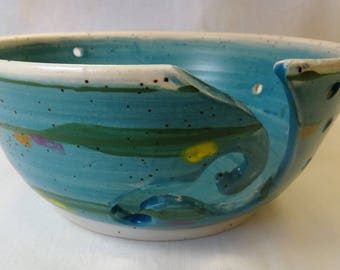 Yarn bowl in turquoise
