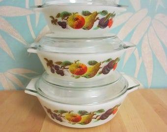 "Set of 3 1960s Pyrex ""Autumn Fruits"" round casseroles with lids"