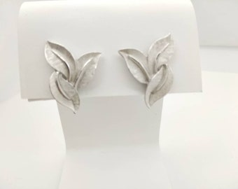 Trifari  Silver Leaves Clip earrings  signed Casual Modern Light weight