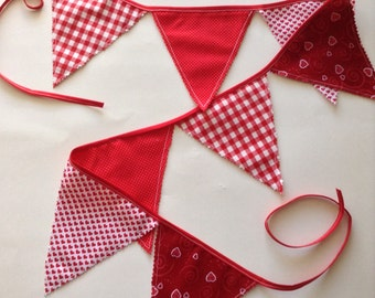 Bunting Flag-Banner / Valentine Banner / Valentine Fabric Flags / Red And White Bunting / Handmade design mix of fabric - red and white