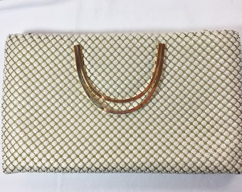 Purse Vintage Stylecraft Beautiful Condition. Ivory color tile-like Mesh Metal; Gold tone double handles; Inside Zip Pocket