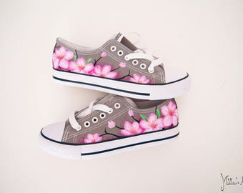 Japanese hand painted shoes / Sakura shoes / Cherry blossom shoes / Pink flowers shoes
