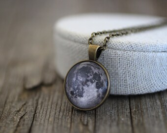 Collar, colgante Luna, Luna, luna llena, luna llena collar, joyería Luna, Luna, collar de Luna, espacio, Sistema Solar collar, universo de la luna