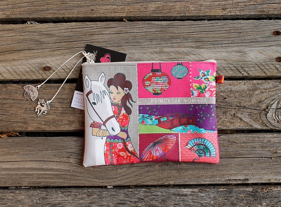 """""""Princess nomad"""" illustrated natural linen pouch"""