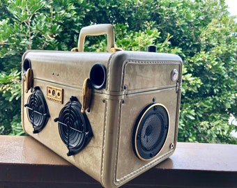 """BLUETOOTH Vintage Travel Train Case Boombox MP3 Player """"AMPTrack"""" by Hi-Fi Luggage Portable Stereo"""