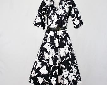 1980s Willi of California Black White Floral Cotton Shirtwaist Dress Full Skirt
