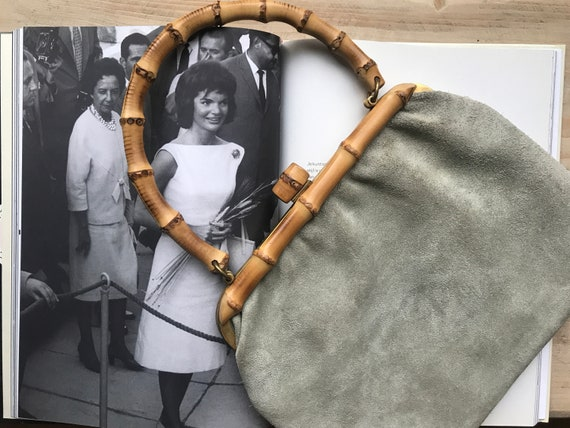 Vintage handbag | grey| suède bag | bamboo handle | sixties | top handle | short handle | Gucci inspired