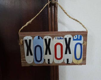 Hugs and Kisses Sign - License Plate Art
