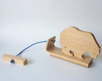 Bear, solid wood pull toy / various types of wood