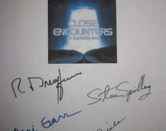 Close Encounters of the Third Kind signed Film Movie Script Screenplay Autographs Steven Spielberg Richard Dreyfuss Teri Garr Melinda Dillon