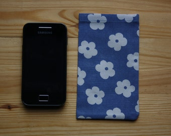 Smart Phone or iPod Sleeve - Blue with White flowers