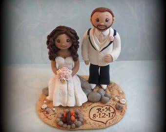 Wedding Cake Topper, Custom Cake Topper, Beach Theme, Bride and Groom, Bonfire, Beach Wedding, Personalized, Polymer Clay