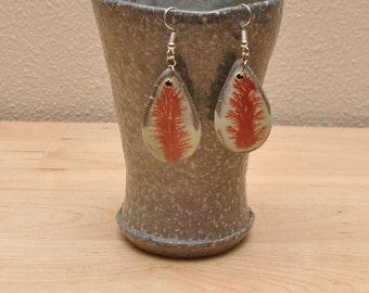 Mocha Diffusion Earrings - Coral and green teardrop