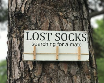 Lost socks Laundry Room Sign / White and Black Laundry Sign / Lost Socks Searching For a Mate / Farmhouse Style / Fixer-Upper Laundry