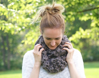 Chunky Knit Wool Infinity Scarf, Fall Winter Scarf, Brown Neutral Scarf, Women's Fall Accessory, Christmas Gift for Her [THE SHANNON COWL]